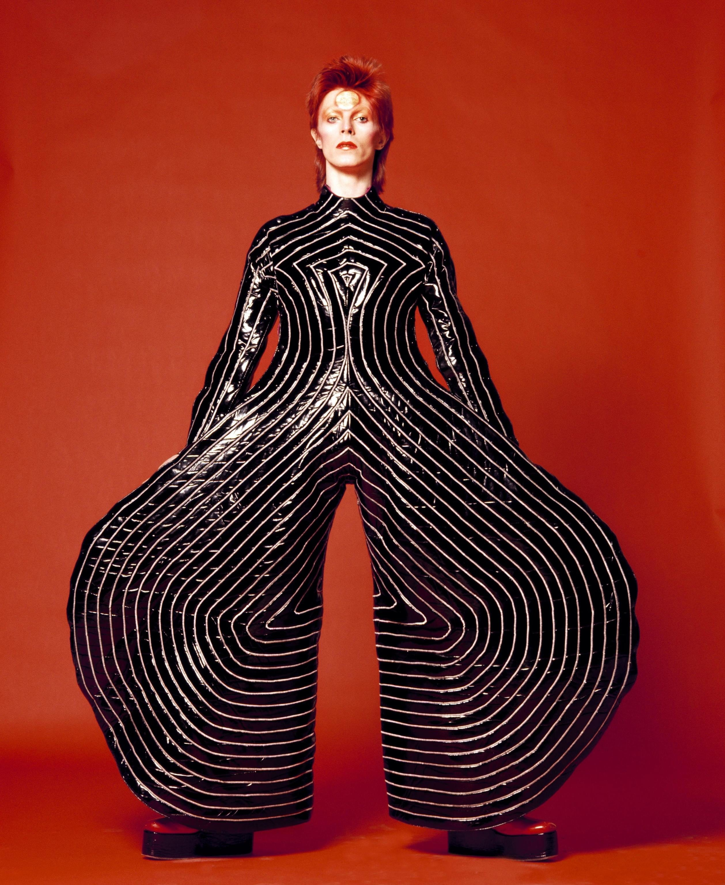Bowie-rosso