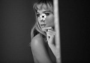 Léa Seydoux, testimonial sexy del nuovo profumo di Prada