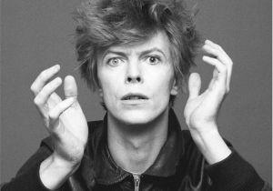 Moda uomo: David Bowie, icona di stile in mostra a Bologna