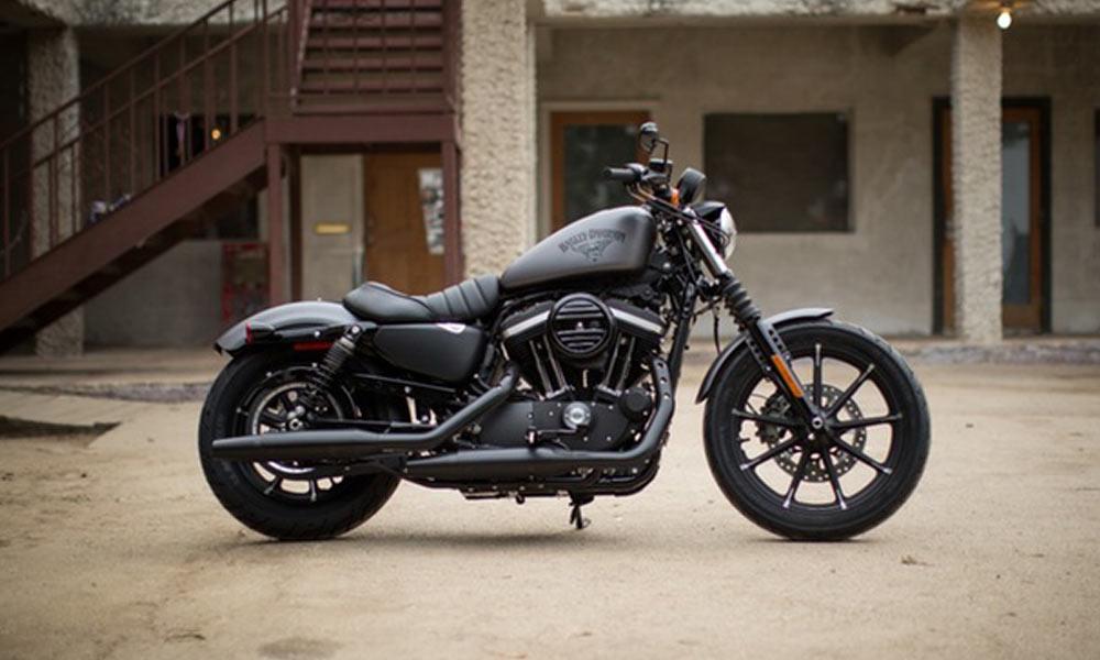 Harley-Davidson-Iron-883-2
