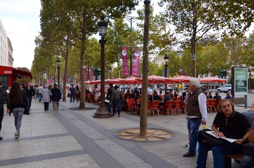 LE BISTROT de Champs-Élysées