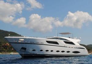 La barca a motore più grande del Salone di Genova: 5 cose da sapere