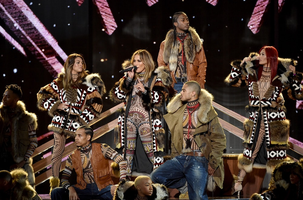 jlo_dsquared_american_music_awards