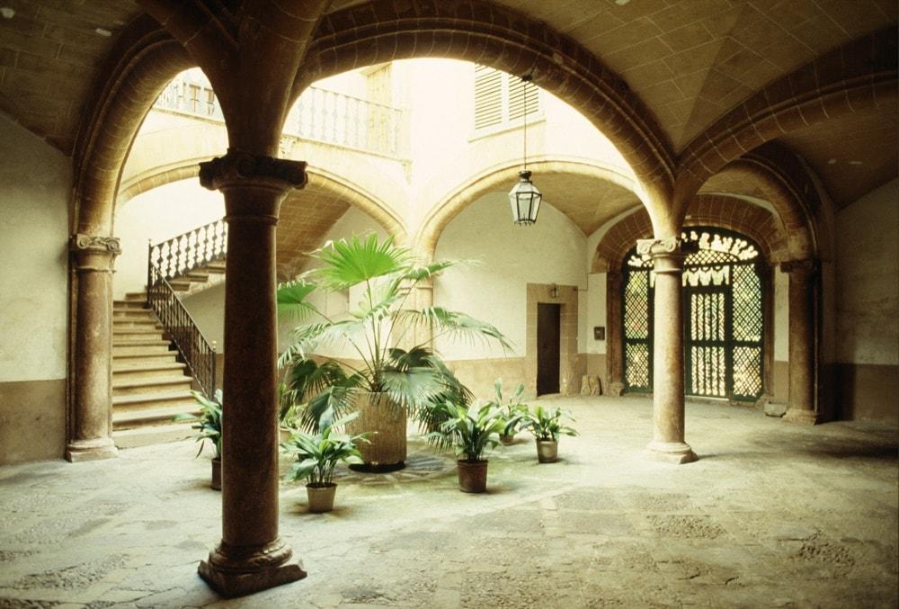 patio_hospital_sant_pere_palma_eduardo_miralles