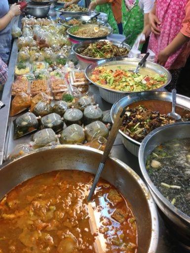 Thailandia-Paolo-Griffa-Chiang-Mai-Huang-Mai-Market-Curry-piatti-pronti