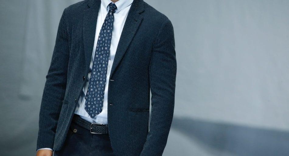 release date 9c41f 4aae6 Le iniziali sulla camicia da uomo: dove si mettono e come ...