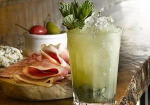 Assenzio: caratteristiche, rito e cocktail