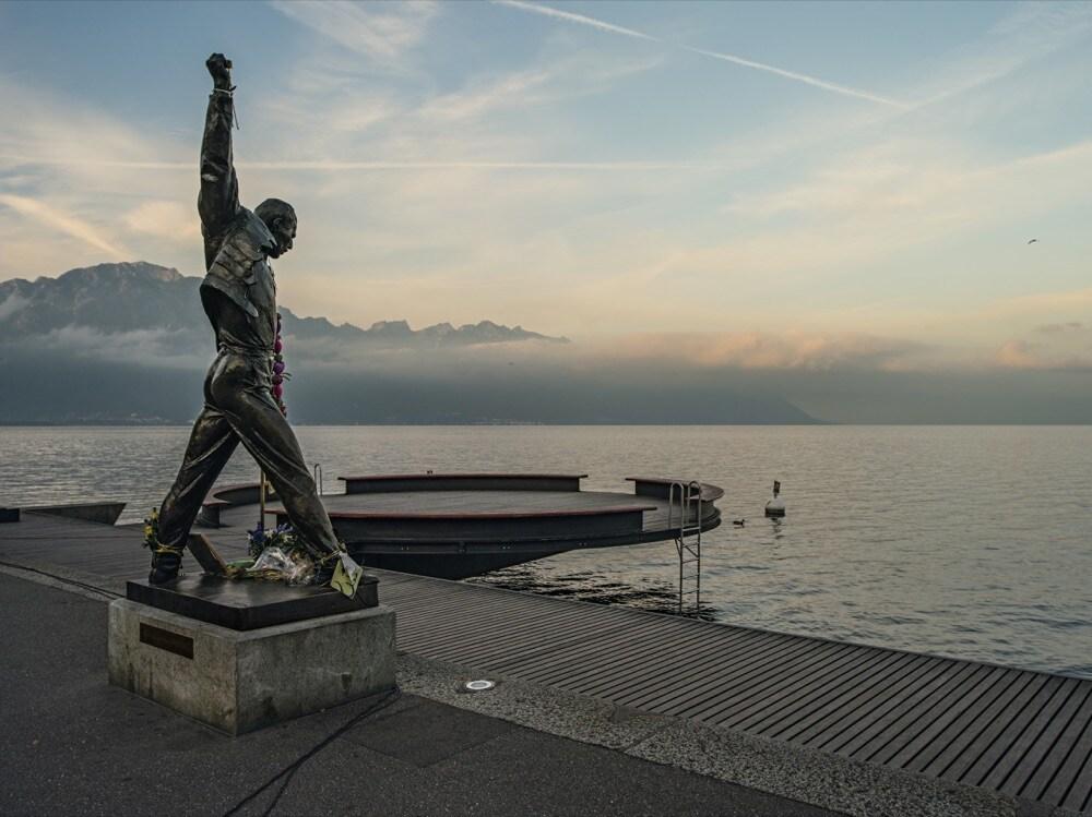 Swiss_Image statua di Freddie Mercury