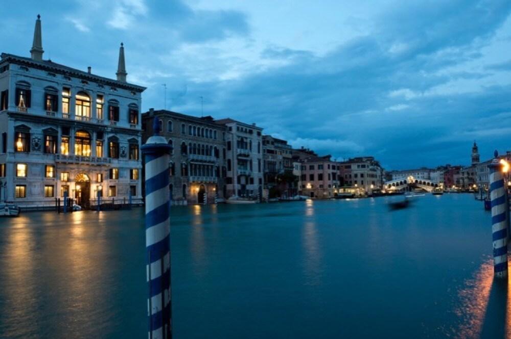 06 Aman-Venice Exterior (left)