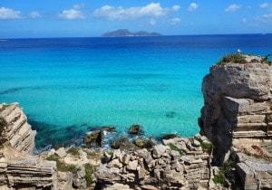 Favignana:  l'isola con le ali