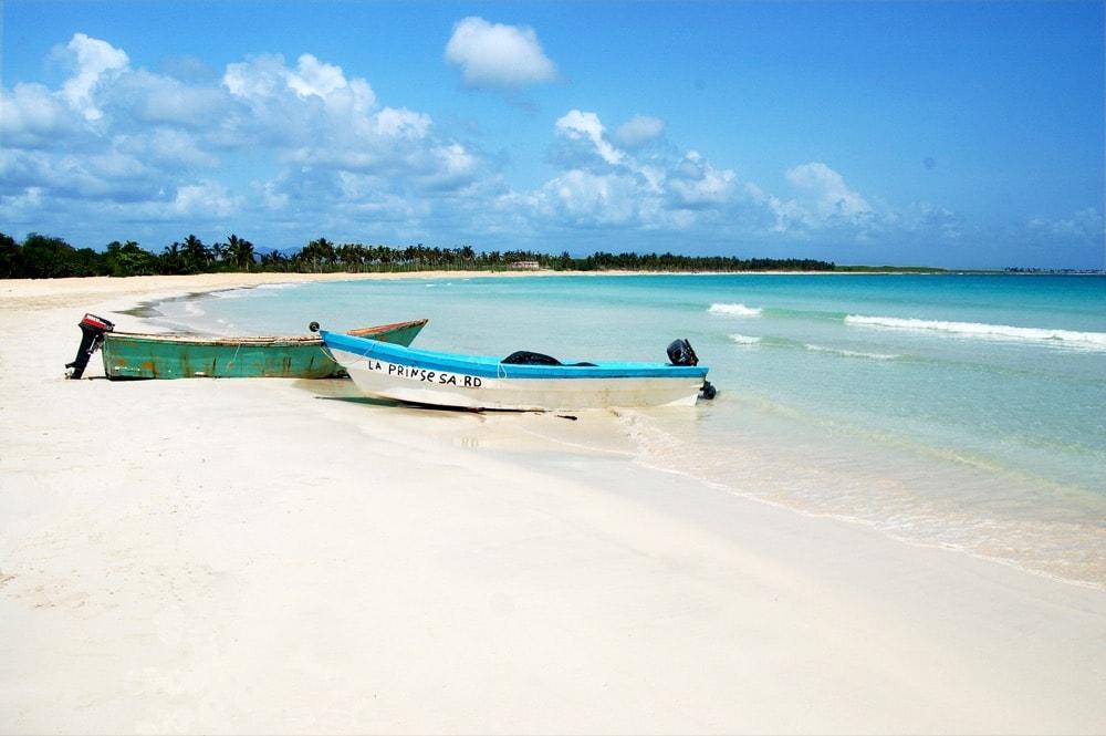 Isle+Saona+Beach-924836258-O