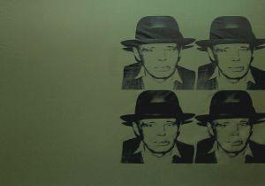 Andy Warhol nel barocco siciliano di Noto