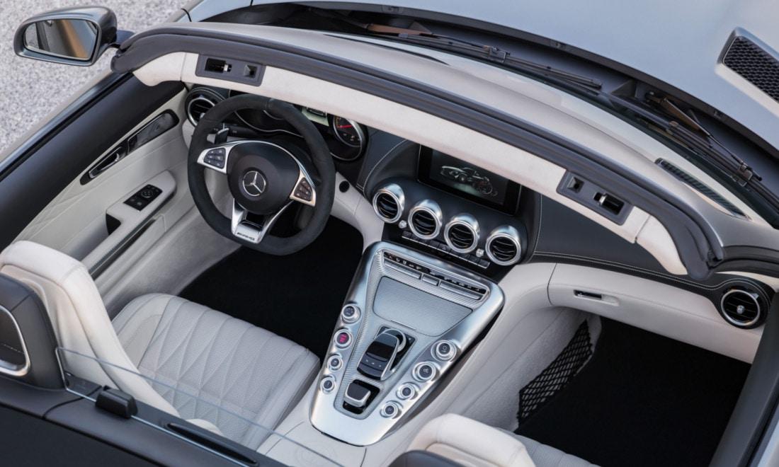 Mercedes-AMG-GT-Roadster-interni