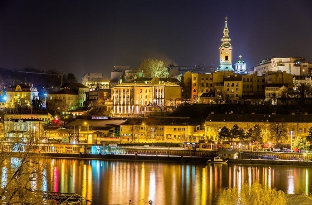 2 Belgrado di notte
