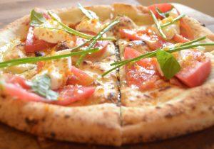 Mangiare la pizza d'estate: i consigli giusti