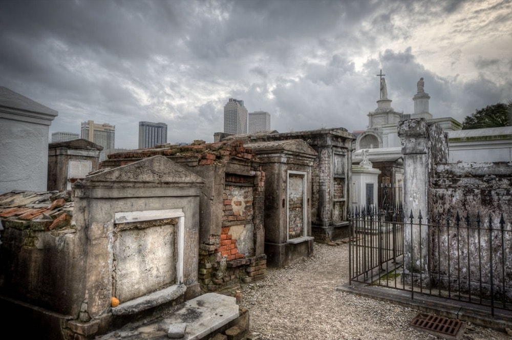 8 new-orleans tombs-cemetery