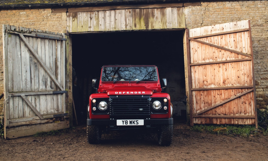 Land-Rover-Defender-Works-V8-8