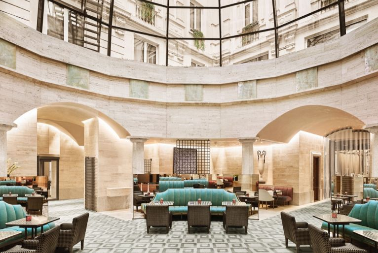 Park-Hyatt-Milan-LaCupola-Sofas