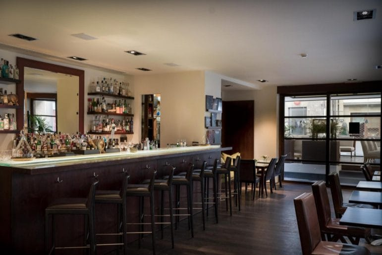The-Fusion-Bar-Gallery-Hotel-Art