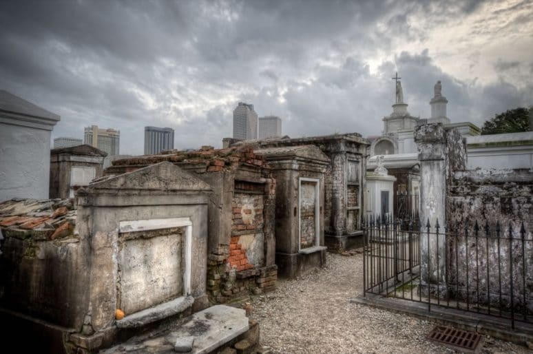 9 new-orleans tombs-cemetery