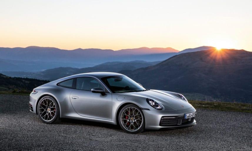 Porsche-911-992-6