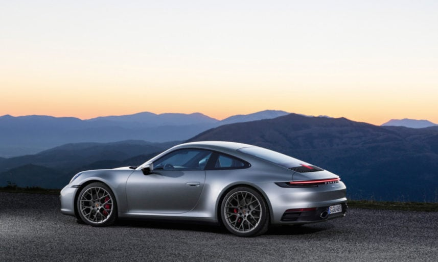 Porsche-911-992-7