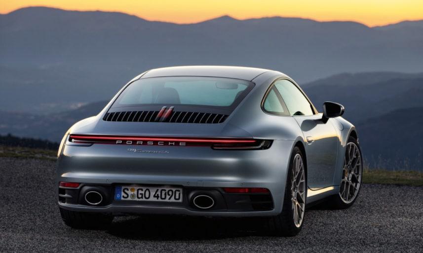 Porsche-911-992-8