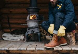 Abbigliamento e accessori da uomo per un weekend in montagna
