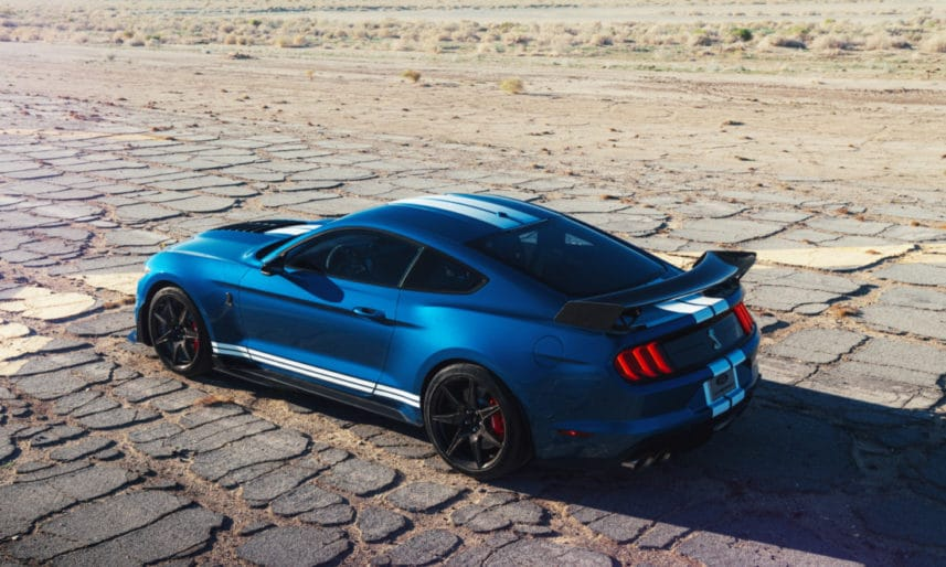 2-Ford-Mustang-Shelby-GT500