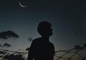 Creme viso uomo: cinque proposte per la notte per svegliarsi con un volto più riposato