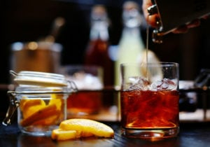 Old Fashioned, il cocktail per antonomasia: come se ne fa uno buono