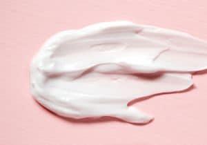 Creme viso uomo: come idratare la pelle secca