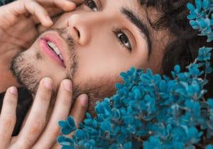 Skincare ed esfoliazione della pelle: differenze tra scrub e peeling