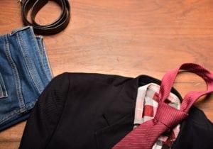 Jeans e blazer, la combo più cool della stagione