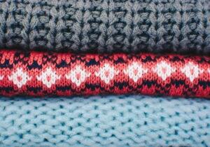Come abbinare i pullover: 5 look mix&match da copiare