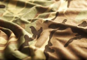 Tendenza camouflage: capi e accessori in stile militare protagonisti dell'autunno-inverno