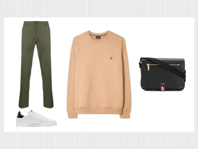 Pantaloni chino, felpa e sneakers