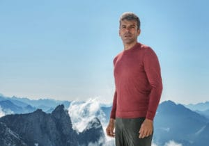 Luca Argentero in vetta per Falconeri