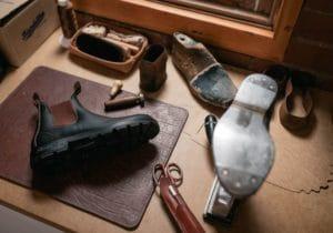 Chelsea boots: la storia degli iconici stivaletti con l'elastico laterale