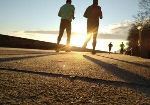 Sport all'aria aperta e cura del corpo: i prodotti da usare