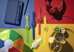 Swatch Essential, i nuovi orologi colorati dell'estate 2020