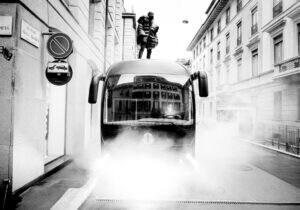 Moncler e Rick Owens, la tourneè a Milano con il bus customizzato