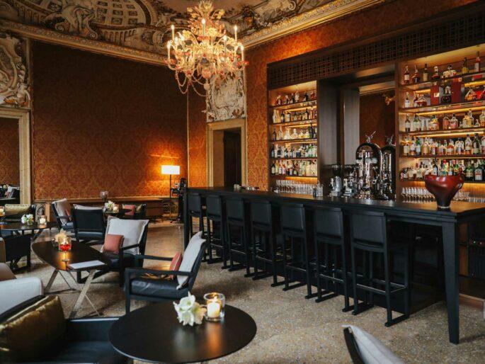 Cocktail-Experience-e-Cena-San-Valentino-Aman-Venezia